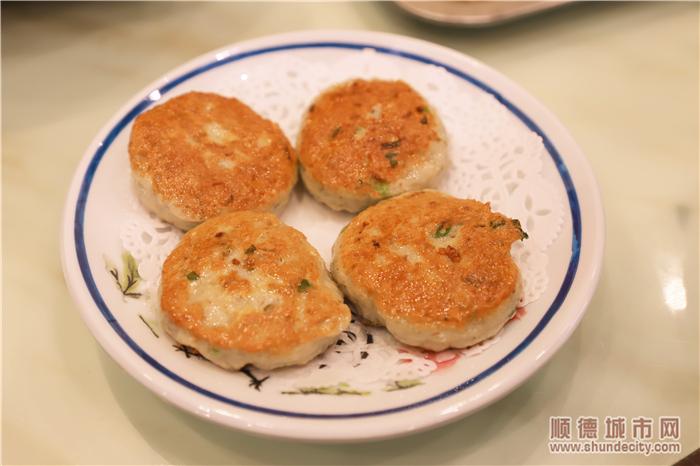 3洁玲鱼饼.jpg