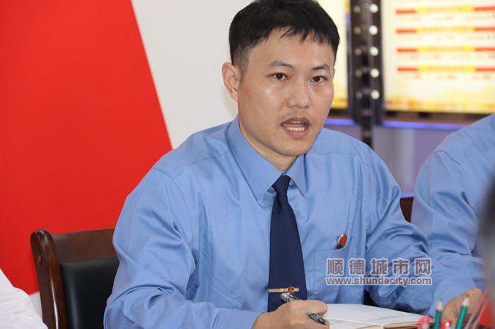 2朱琛表示作为检查机关的党员干警,要提高政治能力,把政治能力融入到每项检查工作中。.jpg
